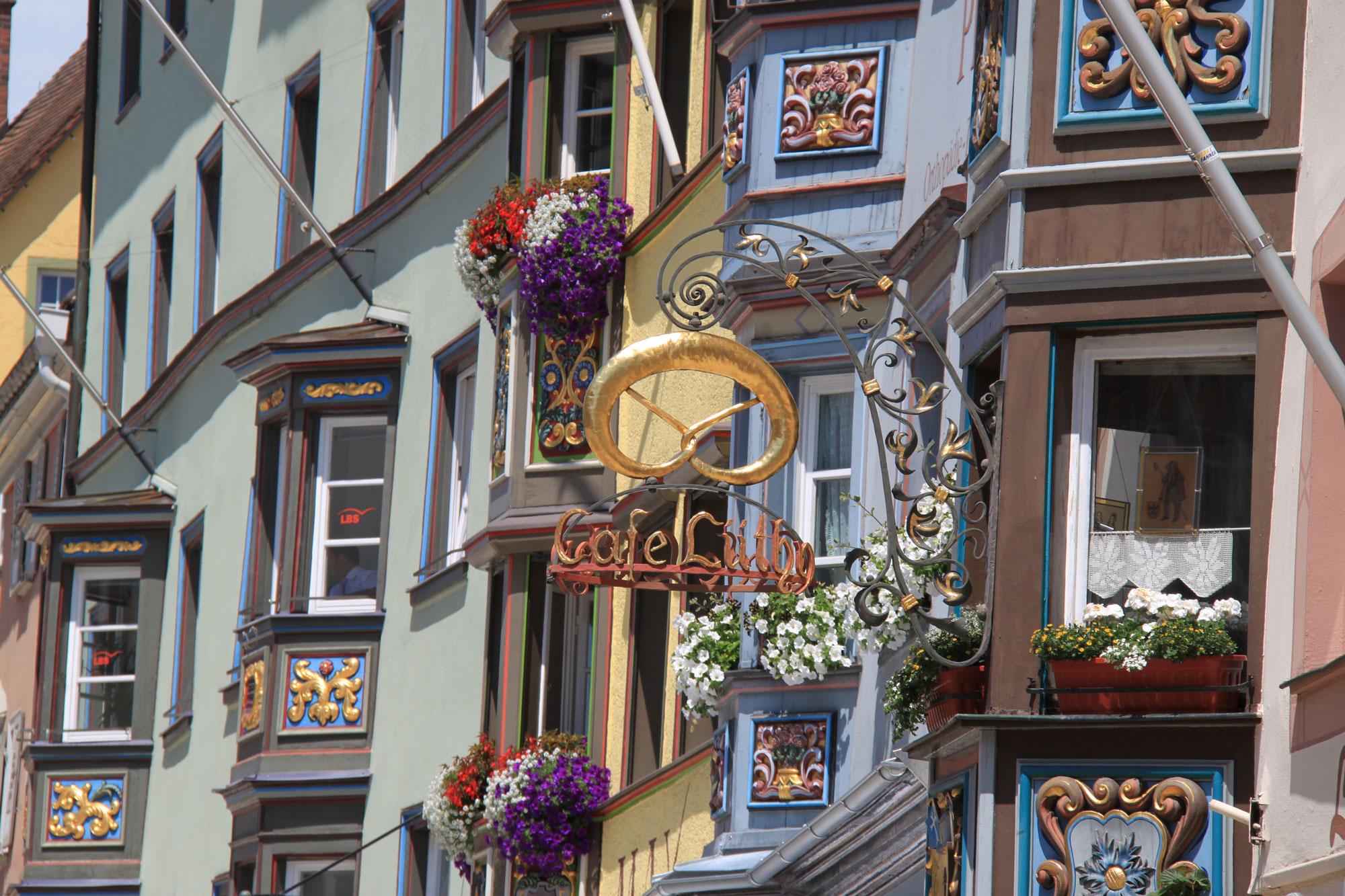 Erker und Stechschilder in der Hochbrücktorstraße